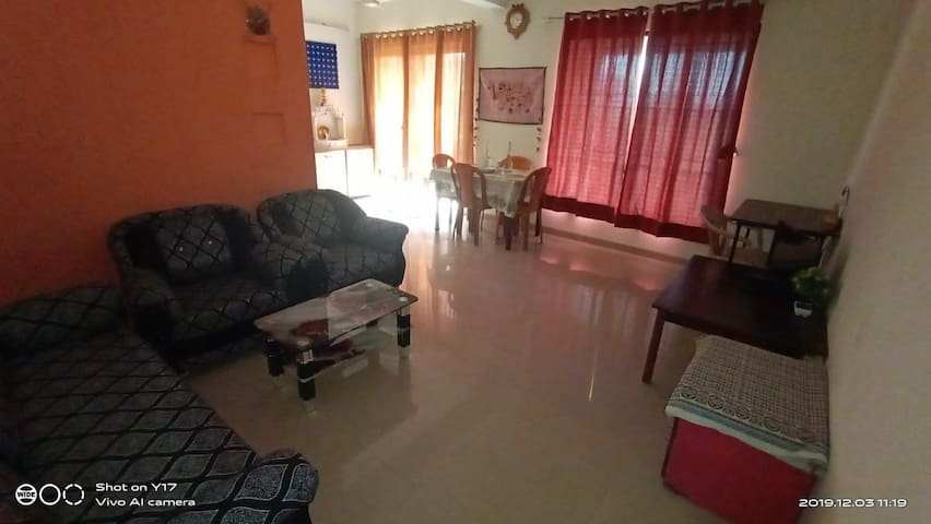BEST LOCATION COMFY 2 BHK WITH TERRACE {FAMILIES}