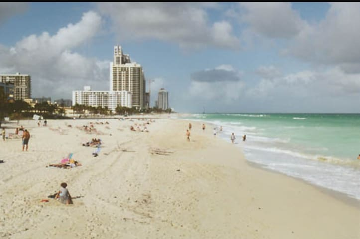 EXCELLENT APARTMENT ON THE BAY- NEAR THE BEACH - North Miami Beach - Wohnung