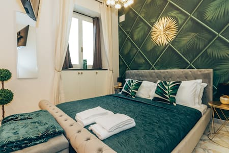 CENTER: DUOMO LUXURY Green NEW