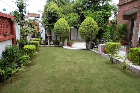 Colonel Sharma's A/C Home Stay- (1) - Agra - Talo