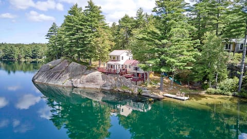 Gorgeous Waterfront Cottage with Views to Die For!
