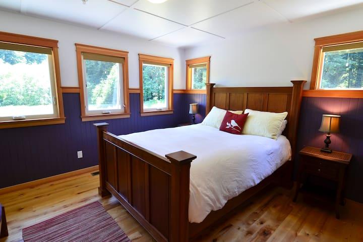 Private Creekhouse Retreat - Bayside - Huis