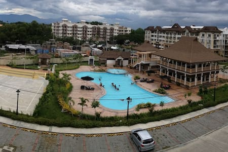 One Oasis 2 bed apt secure complex. - Davao City - Lejlighed