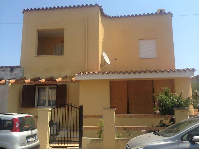 1 Bed flat 5min to Pula, 25km to Cagliari or Chia.