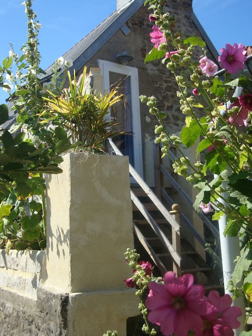 accès indépendant une fois en haut, vue panoramique sur le jardin
