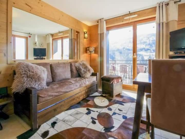 Beautiful 2 Bed Apartment with Mountain Views