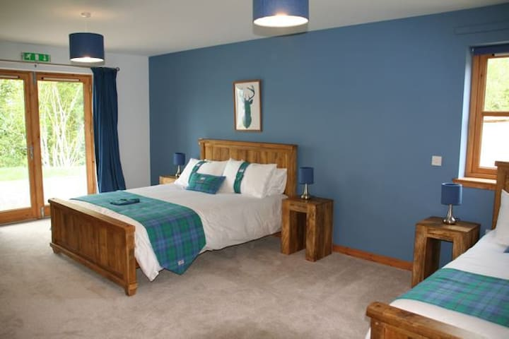 Balachladaich B&B Loch Ness- Family - Dores - Bed & Breakfast