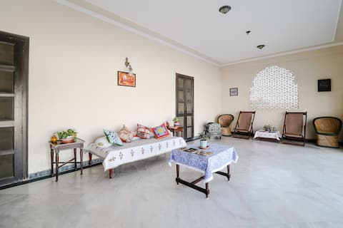 Jai Niwas : beautiful two rooms set with a terrace