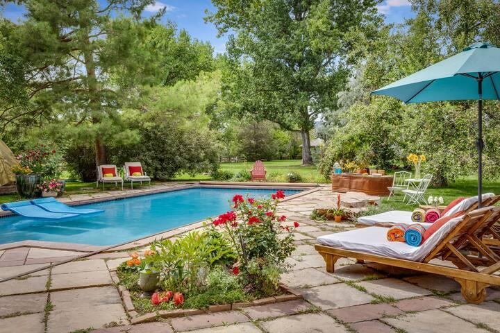 Kid-Friendly Premium Estate w/Pool,Hot Tub & Views