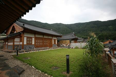 Georgeous Hanok Traditional House - Villa