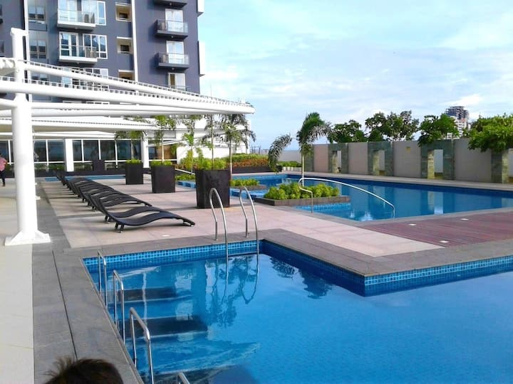 Modern 1 BR apartment swimming pool,tenis,beach
