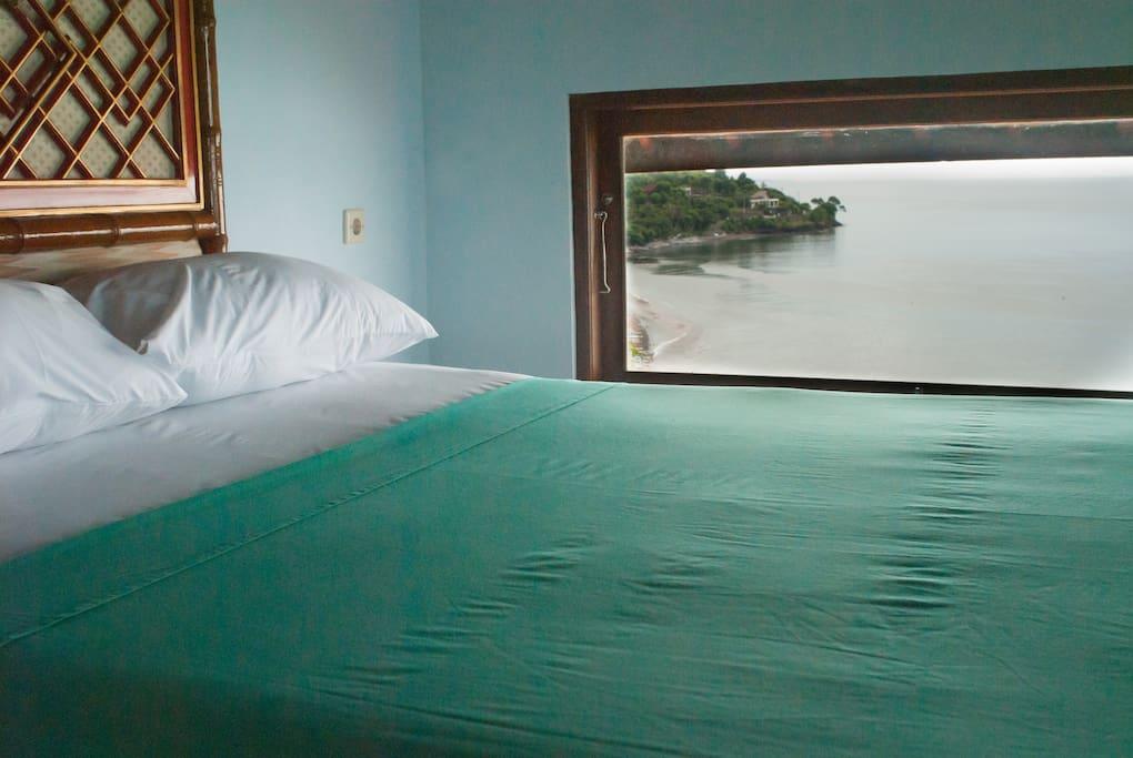 mezzanine queen size bed
