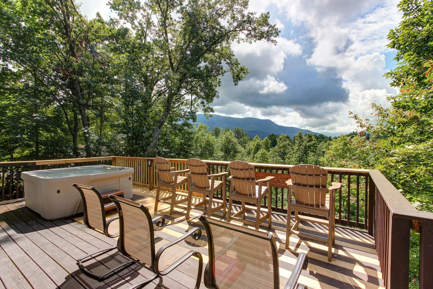 Spacious Deck with Hot Tub Overlooking Incredible Mountain View