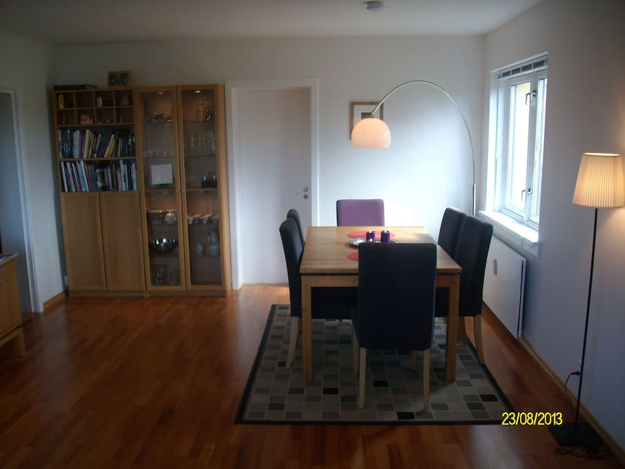 Living room with dining table and plenty of space