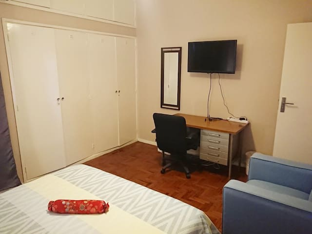 Studio@549 Bedroom3 - Central location + Free WiFi