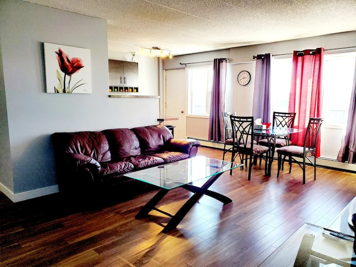 2 BR modern in excellent location, short/long term