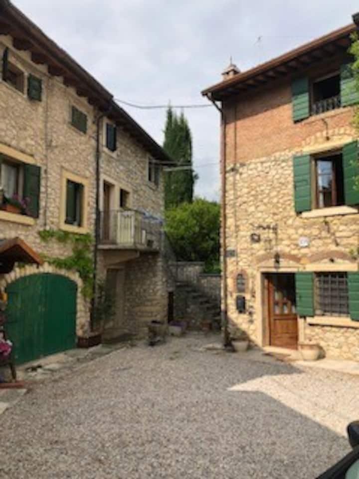 L'Affresco, rural house in Valpolicella Courtyard