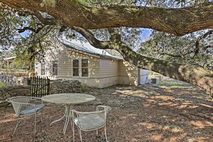 Cottage on Bulverde Ranch w/ Pool & Farm Access!
