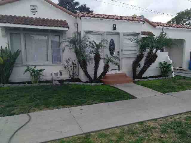 Newly Remodeled 2 bed 2 bath plus bonus room