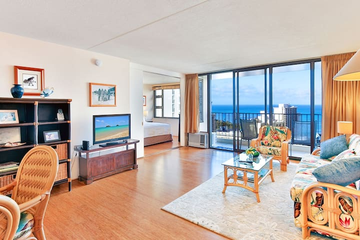 28th Fl. Ocean View | 1 Block to Beach | Parking