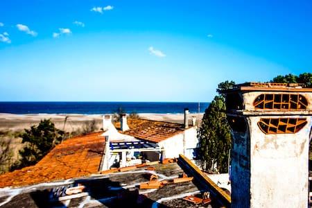 "Habitacion 3, ""Audre Lorde"" - Sant Pere Pescador"