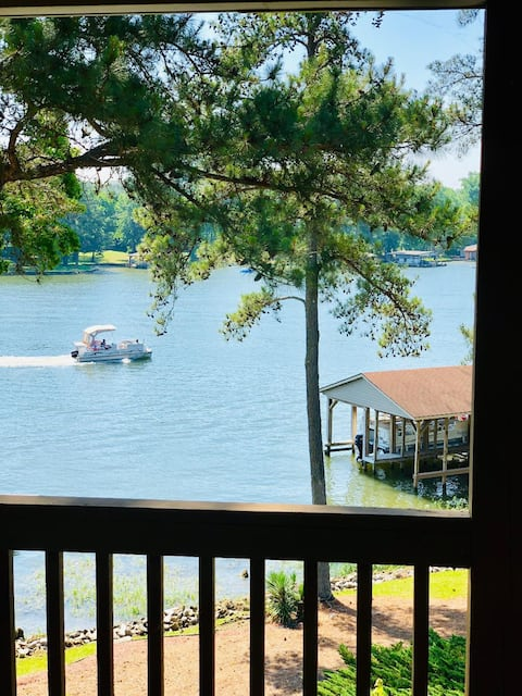 "Lake Gaston Home - Waterfront - ""our happy place"""