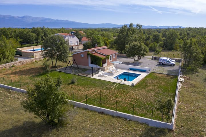 Holiday home Vlastelica Split-Turjaci,private pool