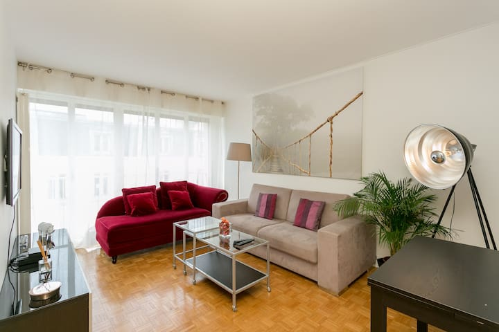 Bright and modern flat near Champs-Élysées. - Neuilly-sur-Seine - Lejlighed