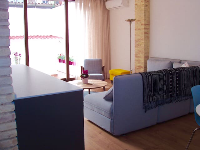 Fallas / Newly refurbished apart with big terrace - València - Apartamento