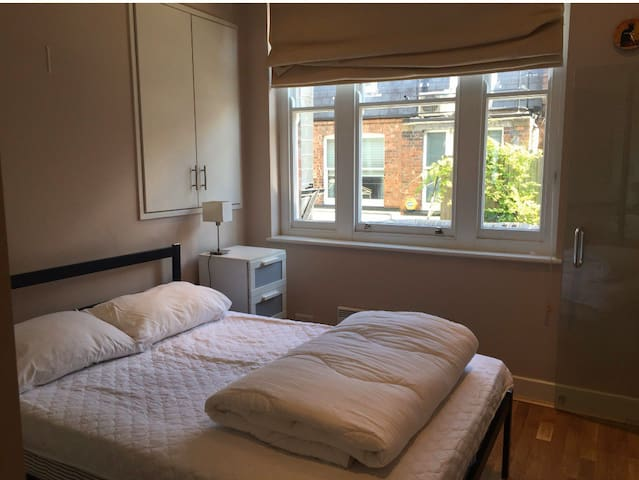 1 bedroom Chelsea flat 1 South Kensington
