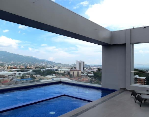 NEW PENTHOUSE ...A CLASS LIVING - San José - Apartment