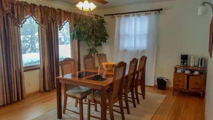 4 Br Single Ranch with 1,600 sq ft