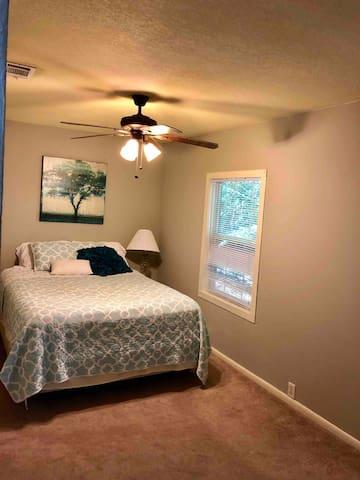 2nd bedroom no door on this room . It is open space