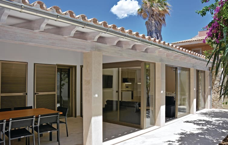 Terraced house with 4 bedrooms on 110m² in Palma de Mallorca