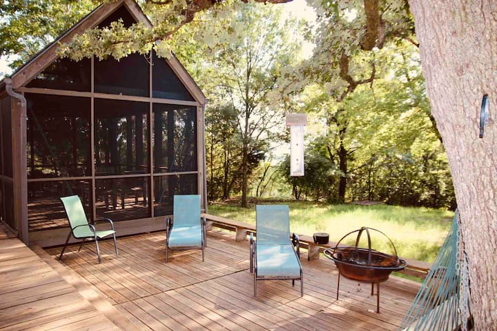 Enchanting Multi Cabin Getaway with Full Size Deck