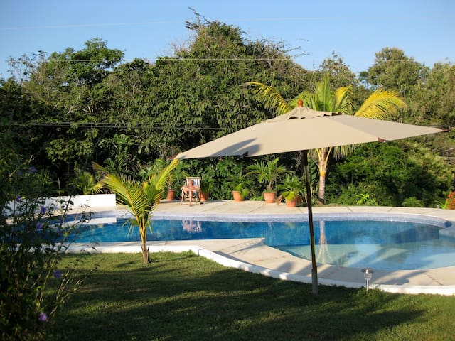 Cabinas Three Monkeys - Montezuma - Bed & Breakfast