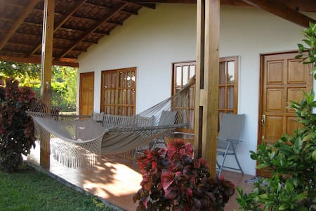 Cabinas Three Monkeys - Montezuma - Bed & Breakfast