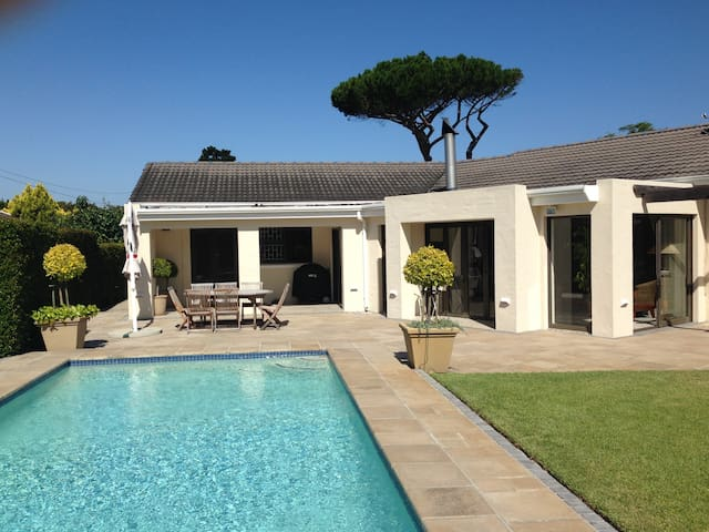 Sunny, private solar powered home away from home - Cape Town - Daire