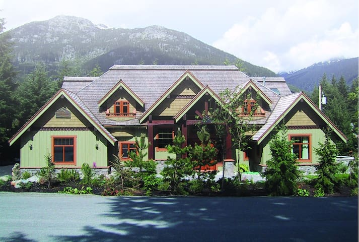 Whistler Alpine Chalet/Chateau - Therapeutic Spa