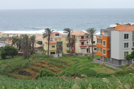 Modern T1 with Sea-Mountain View - Ponta do Sol - Daire
