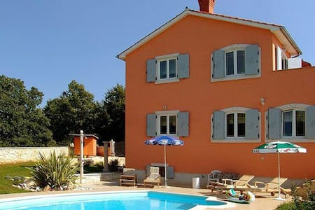 Apartment Villa Edo-Marija Stifanic - Tinjan - Apartment