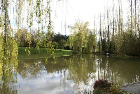 Gîte avec étang prés de Caen