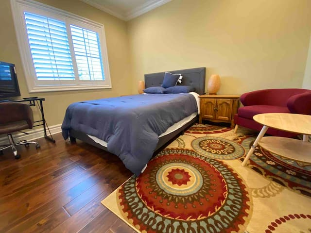 monthly Rental-Private Room in new house