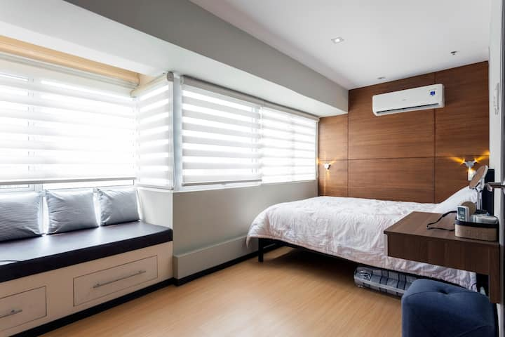 Cozy and comfy 1BR Condominium