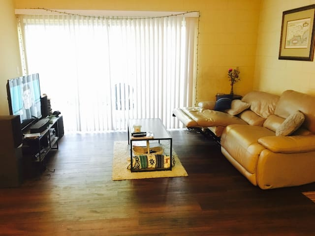 Clean Quiet Comfy 1 Bedroom Condo near COLLEGE - Tallahassee - Huis
