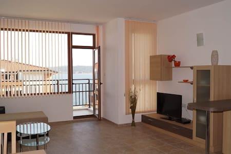 Villa Dafni - apartment 3 - Burgas - Pis