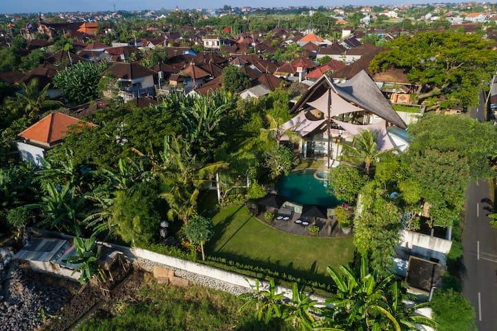 Toraja, Luxury 2 Bedroom Villa, Canggu