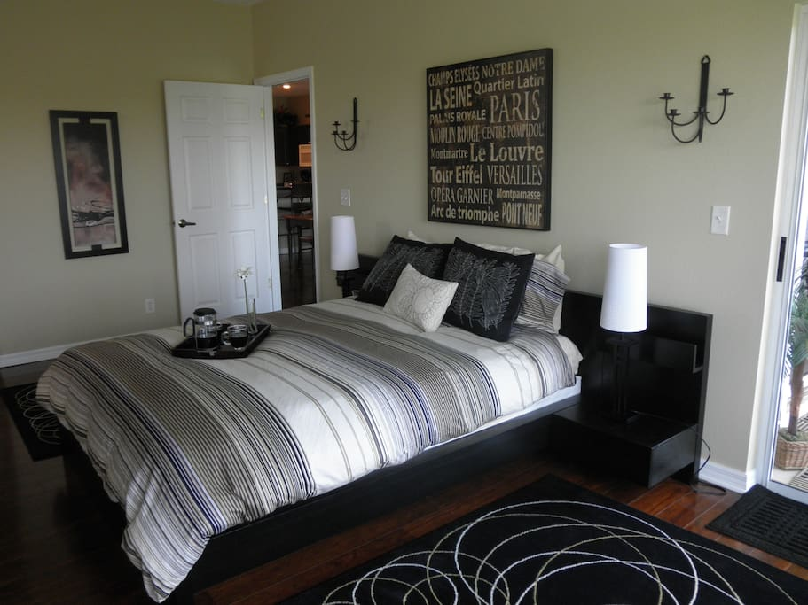 Large bedroom suite with queen size bed and 2 bunk beds