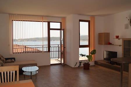 Villa Dafni - apartment 5  - Burgas - Pis