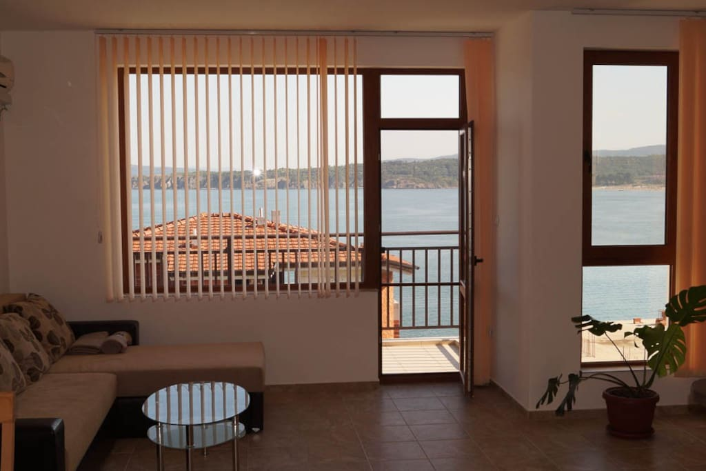 Step out onto the balcony overlooking the large bay Kavatsite
